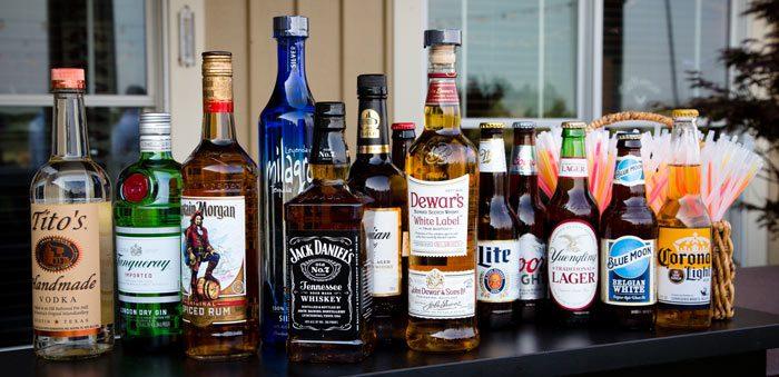 wedding alcohol tips